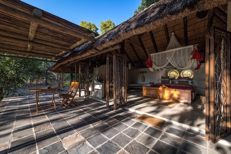 Kapamba bedroom