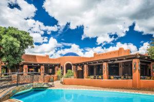 AVANI Pool Restaurant