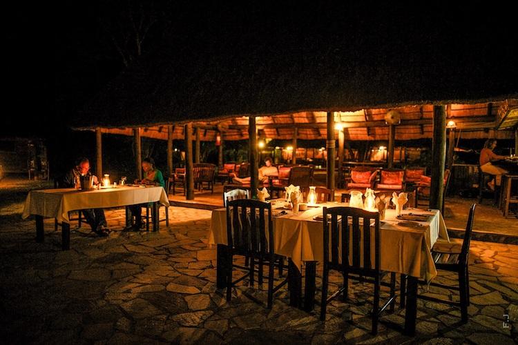 kiambi dining outside