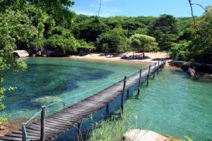 Mumbo Island beach and bridge