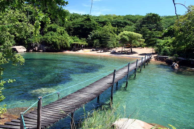 Mumbo Island beach and bridge