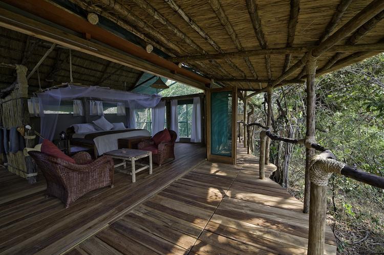 Mvuu Lodge, bedroom, outside area