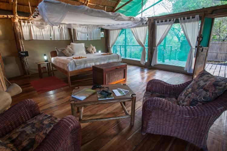 Mvuu Lodge, bedroom