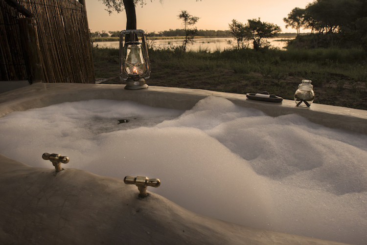 Old mondoro outdoor bath