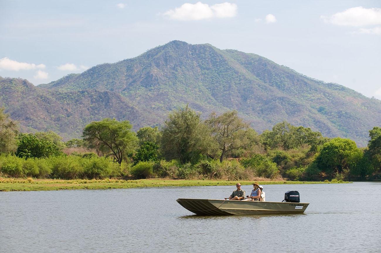 south-luangwa-safaris-chongwe-zambia-lake-malawi