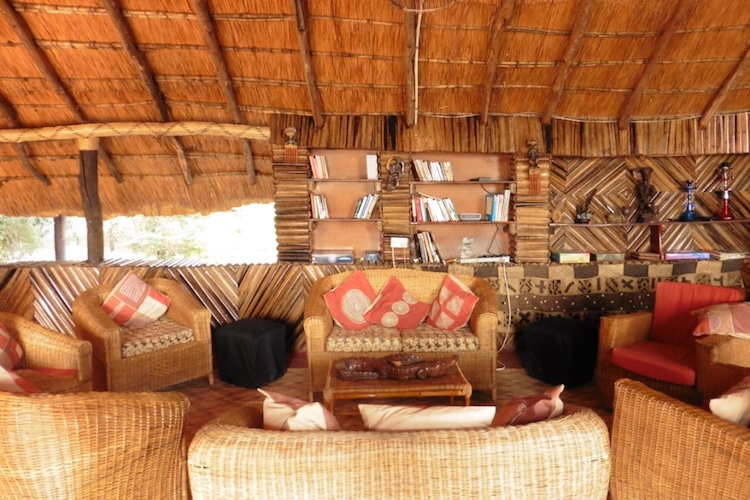 zikomo lounge area